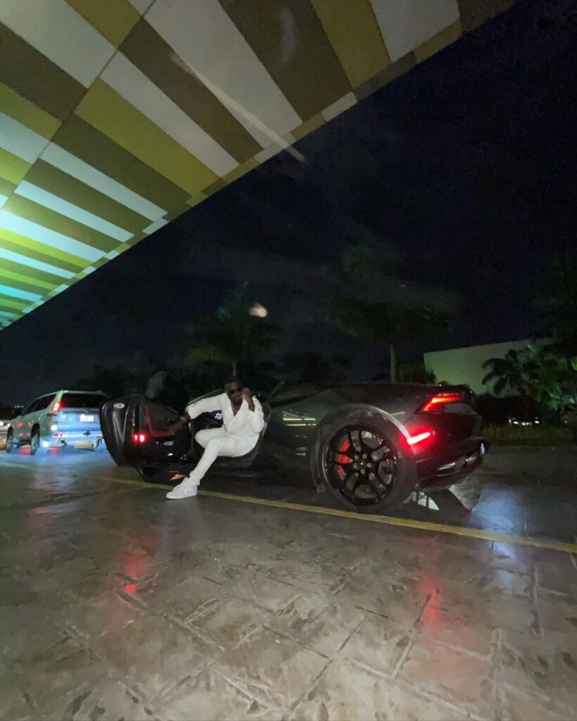 Ghanaian rapper, Michael Owusu Addo, widely known as Sarkodie flaunts a new Lamborghini Huracan Spyder, Ghanaians react.