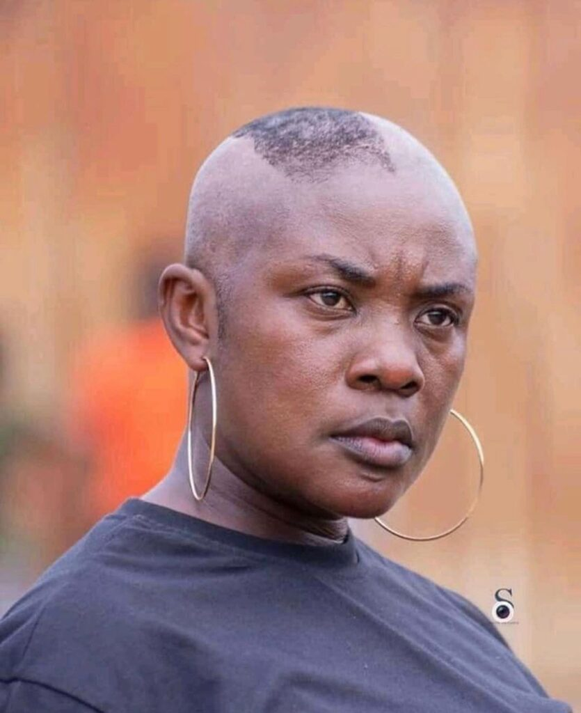 Actress, Emelia Brobbey has gone bald in a movie, pictures from the behind the scenes circulate on the internet.