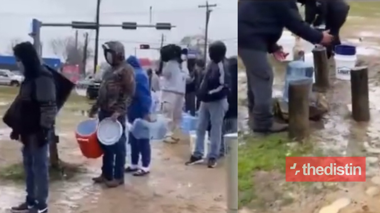 Americans Queuing To Fetch Water