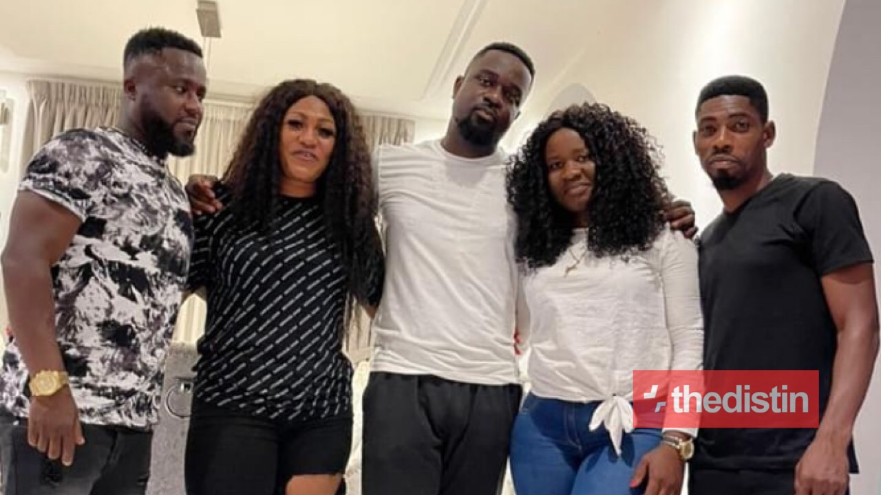 Sarkodie with his Sisters And Brothers