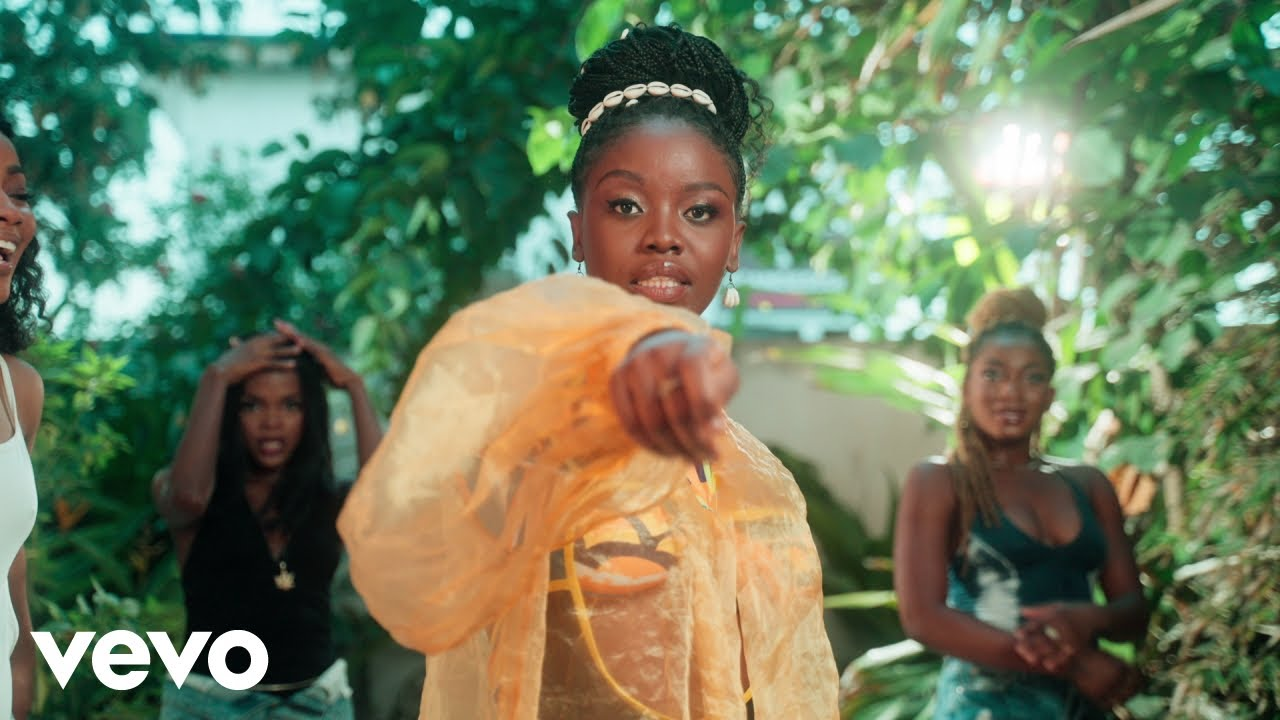 """Music Video: Gyakie """"Whine"""" 