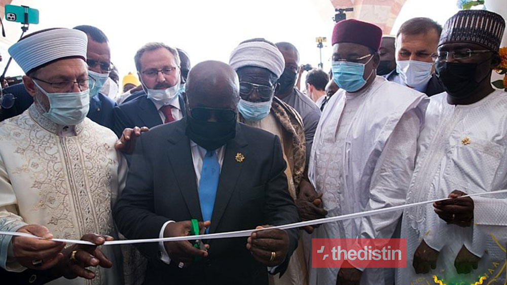 Watch The Hilarious Moment Prez. Nana Addo Was Finding It Hard To Cut The Ribbon At An Inauguration Ceremony (Video)